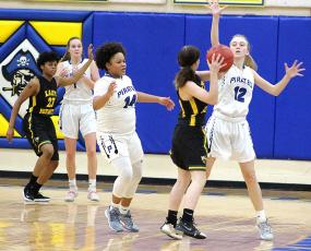 Lady Pirates win in Yulee matchups